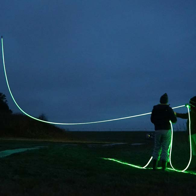 Art projects: Studio Roosegaarde - ropes for kites